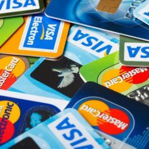 Чем отличаются друг от друга пластиковые банковские карты?