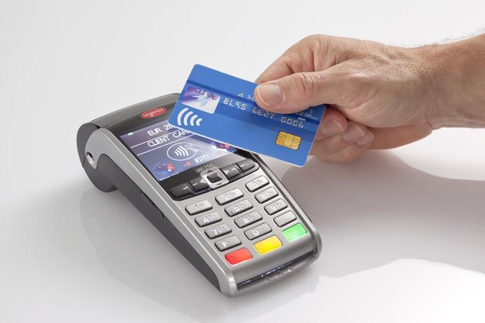 Изображение - Как оплачивать картой в магазине покупки kak-rasplachivatsya-beskontaktnoy-kartoy