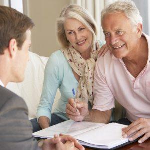 Кредиты для пенсионеров: особенности кредитования людей пенсионного возраста