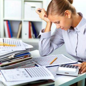 Свой бухгалтер или фирма, оказывающая бухгалтерские услуги: что выбрать