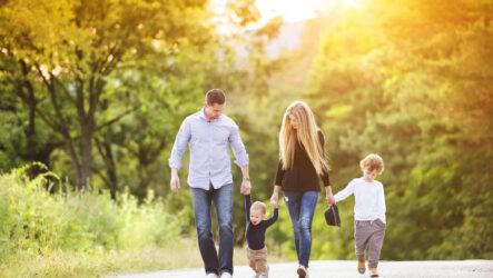 Мишустин упростил оформление пособий на детей от 3 до 7 лет